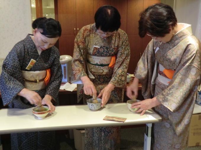 お琴・お茶の会_e0163042_17504638.jpg