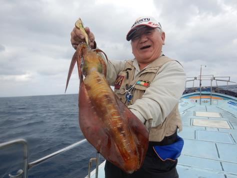 沖縄遠征記2、ドラゴン釣りがアオリイカ釣りに。_f0175450_810028.jpg