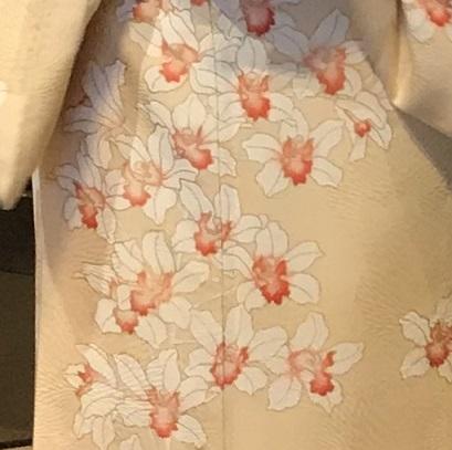 11周年・蘭の着物にまいづる螺鈿の帯・両陛下、御所を後に。_f0181251_16313159.jpg