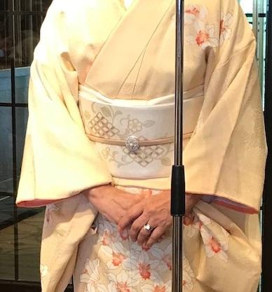 11周年・蘭の着物にまいづる螺鈿の帯・両陛下、御所を後に。_f0181251_16350595.jpg
