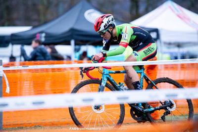 金栄堂サポート:SNEL CYCLOCROSS TEAM・積田連選手 UCI Class1 Rapha SuperCross Nobeyamaご報告&Fact®インプレッション!_c0003493_20312190.jpg