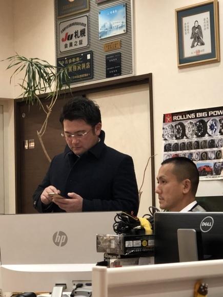 11月29日(金)ランクル200ディーゼル 新車並行車 あります☆ ドバイエアロ♡_b0127002_19121224.jpg