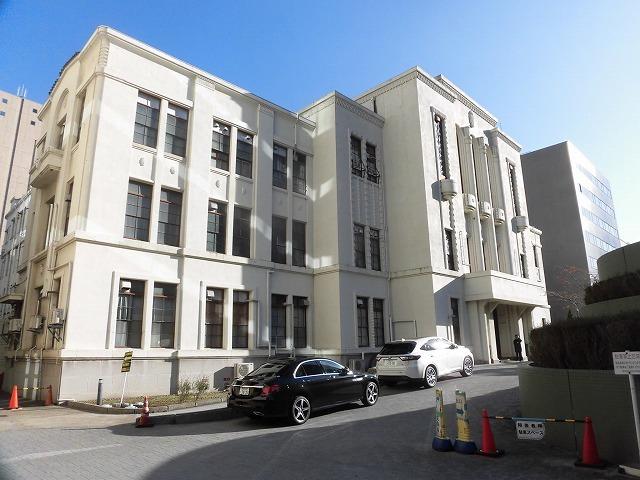 都心に建つ高層ビルがまぶしい! 富士市立中央病院に医師を送っていただいている慈恵会医科大学_f0141310_07332974.jpg