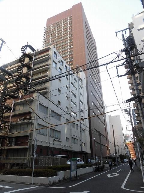 都心に建つ高層ビルがまぶしい! 富士市立中央病院に医師を送っていただいている慈恵会医科大学_f0141310_07335684.jpg