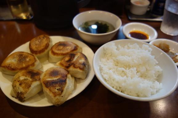 でっかい餃子 曽さんのお店で餃子_e0230011_17133902.jpg