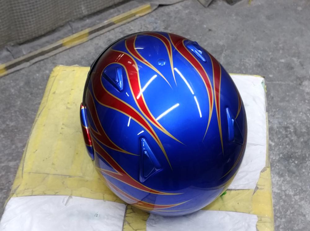 アライ謹製モデル名わからないけど2輪用ヘルメット。と4L3のパーツをちらっと。_d0130115_11512031.jpg