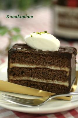 4月のお菓子・おとなのためのチョコレートケーキ_a0392423_01573226.jpg