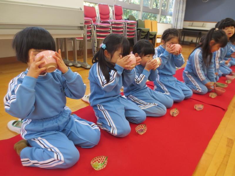 年中組 茶の湯体験_a0212624_15505068.jpg