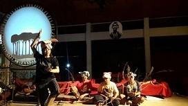 """インドネシアの演劇: \""""Permata di Ujung Tanduk\""""(Gunawan Maryanto/Eko Nugroho)_a0054926_22200863.jpg"""