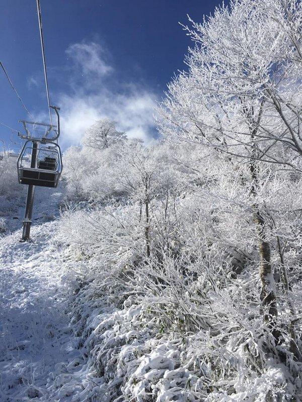かぐらスキー場 明日11月30日(土)よりシーズン営業が始まります!!まずは1ロマから_e0037849_12270837.jpg
