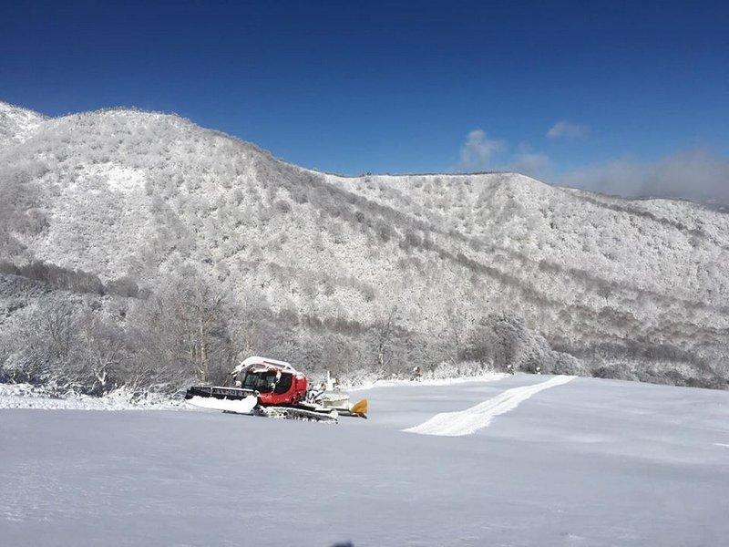かぐらスキー場 明日11月30日(土)よりシーズン営業が始まります!!まずは1ロマから_e0037849_12270889.jpg