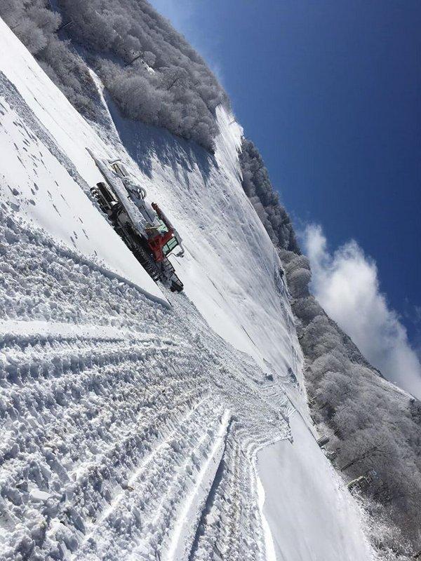 かぐらスキー場 明日11月30日(土)よりシーズン営業が始まります!!まずは1ロマから_e0037849_12270946.jpg