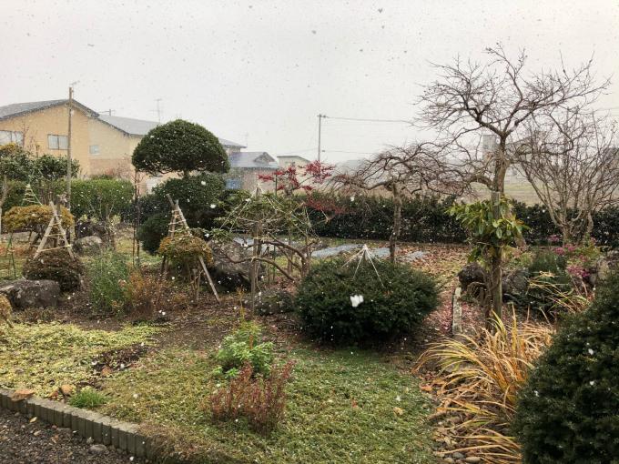 そろそろ雪です_b0093660_10582932.jpg