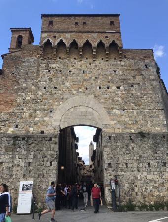 サンジミ1300、中世の街を見下ろす_a0136671_01081732.jpeg