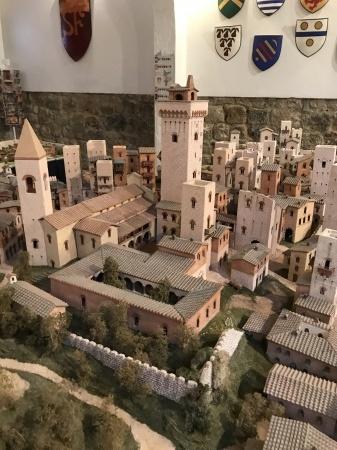 サンジミ1300、中世の街を見下ろす_a0136671_01285840.jpeg
