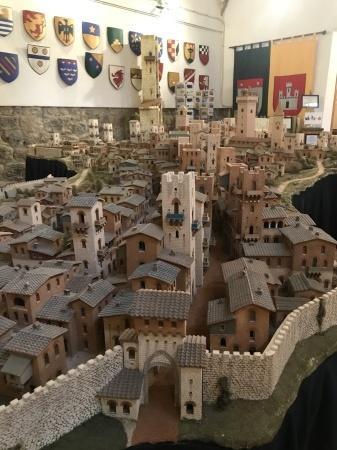 サンジミ1300、中世の街を見下ろす_a0136671_01305278.jpeg