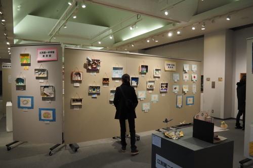 様々な思いと連携から生まれた 第5回「江別市中学校・高校合同の美術部合同展」 _b0068572_22152771.jpg