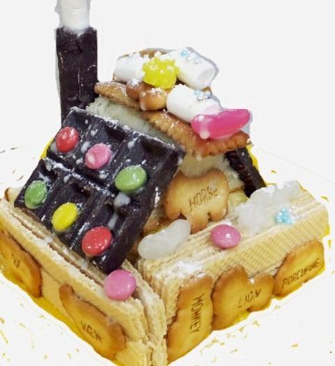 お菓子で家を作ります_e0317274_07573372.jpg