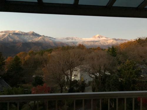 秋は終わりました。冠雪、見事な冠雪、大阪から6にん、おばちゃん。大喜び。冬の始まり。_d0338282_06192648.jpg