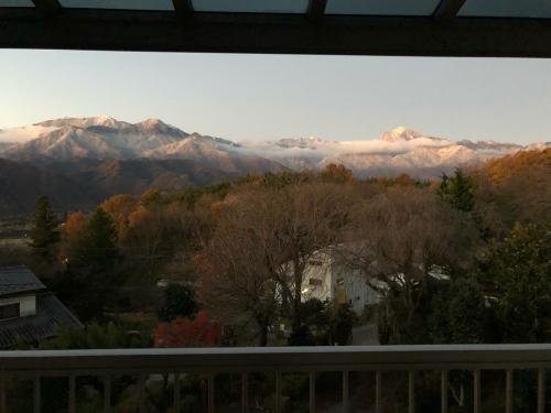 秋は終わりました。冠雪、見事な冠雪、大阪から6にん、おばちゃん。大喜び。冬の始まり。_d0338282_06193122.jpg