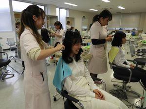 山形美容専門学校と交流実習を行いました_e0196791_13062162.jpg