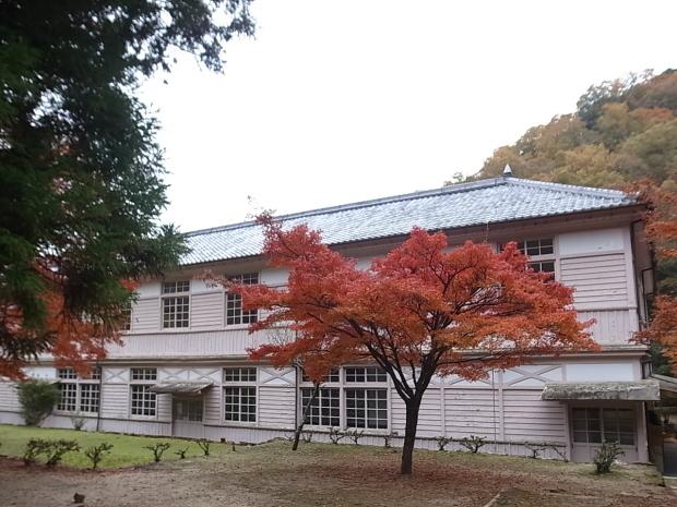 特別史跡旧閑谷学校の紅葉~熊山遺跡_f0197703_12163450.jpg