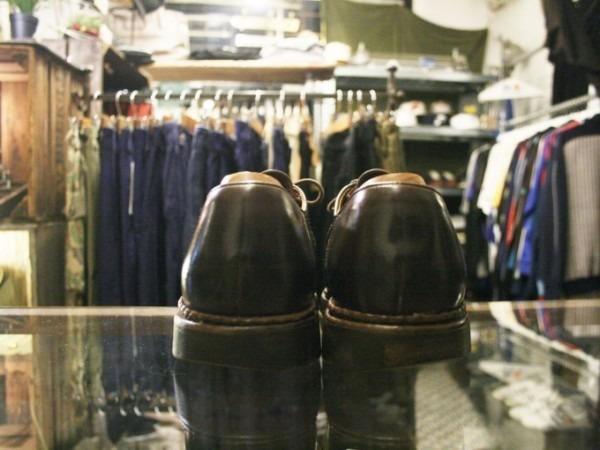 令和最初のヨーロッパ買い付け後記12 ブリュッセルからアントワープへ チモンズスタリ1周年パーティーのおしらせ 入荷パラブーツミカエル、チャーチ、クロケット&ジョーンズ、トッズなど革靴_f0180307_01592775.jpg