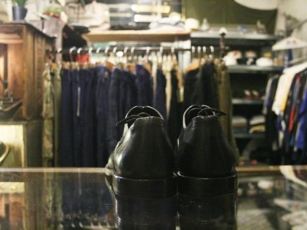 令和最初のヨーロッパ買い付け後記12 ブリュッセルからアントワープへ チモンズスタリ1周年パーティーのおしらせ 入荷パラブーツミカエル、チャーチ、クロケット&ジョーンズ、トッズなど革靴_f0180307_02093545.jpg