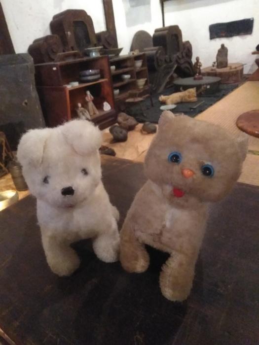 本日は17時半まで。+お犬人形。_e0350308_12300594.jpg
