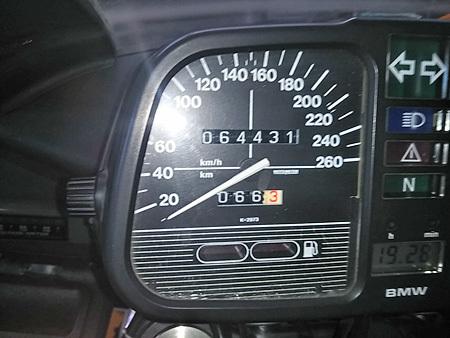 お勧めの中古車 【BMW K100RS 4V(後期型)+RSⅢフロントWウィッシュボーン】_e0218639_12485833.jpg