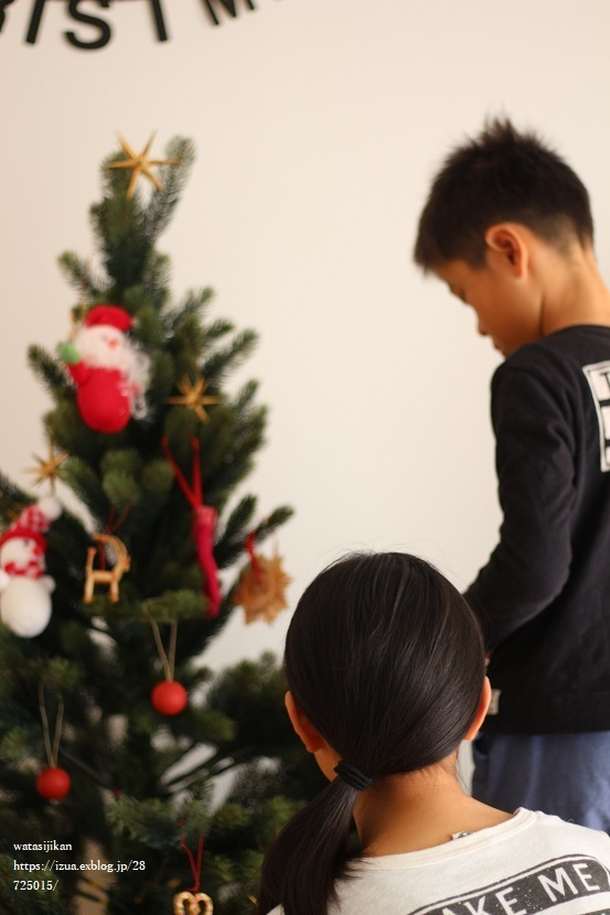 クリスマスの飾り付けをする_e0214646_22054375.jpg