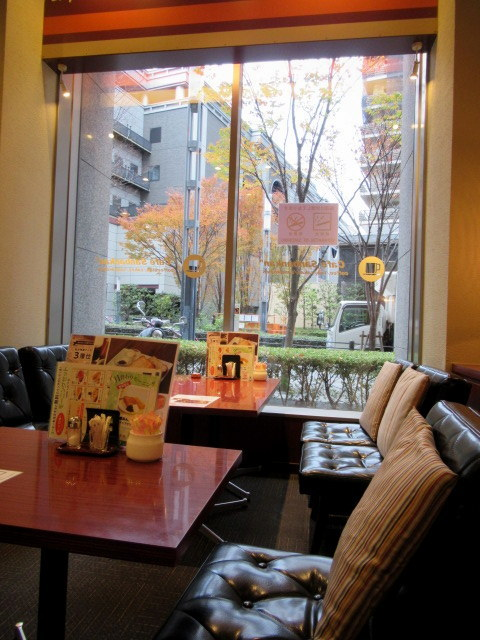 カフェ三番館・なんば店 * OCATに早朝到着した時の大阪モーニング♪_f0236260_00532337.jpg