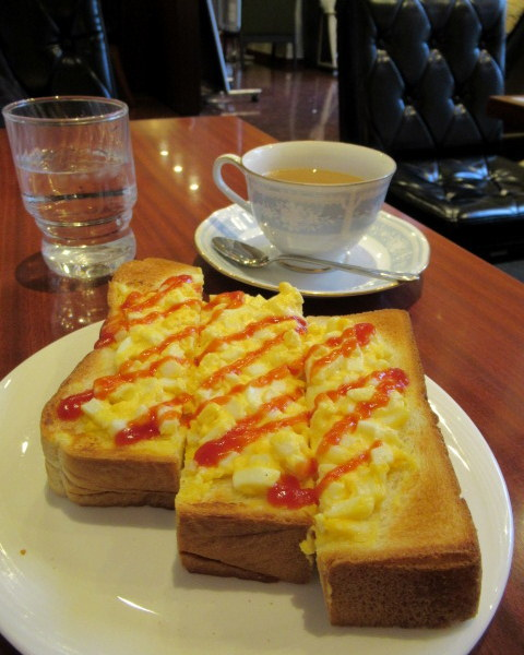 カフェ三番館・なんば店 * OCATに早朝到着した時の大阪モーニング♪_f0236260_01013590.jpg