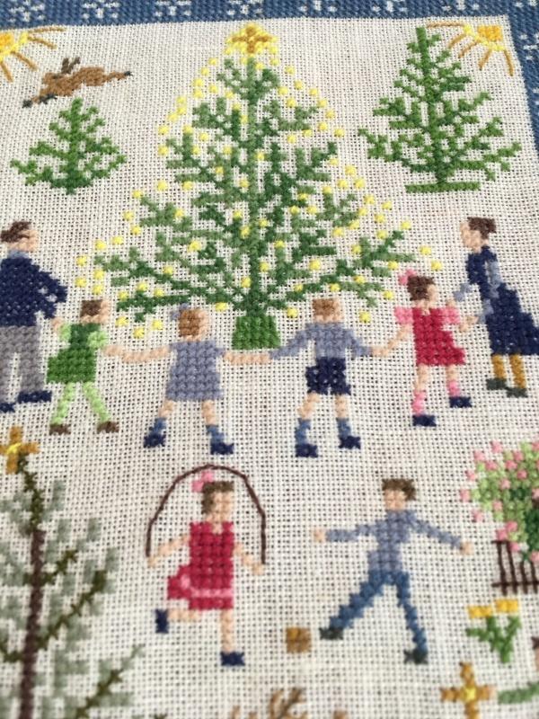 フレメ    クリスマスツリーを囲む人々  完成_a0374562_14185939.jpeg