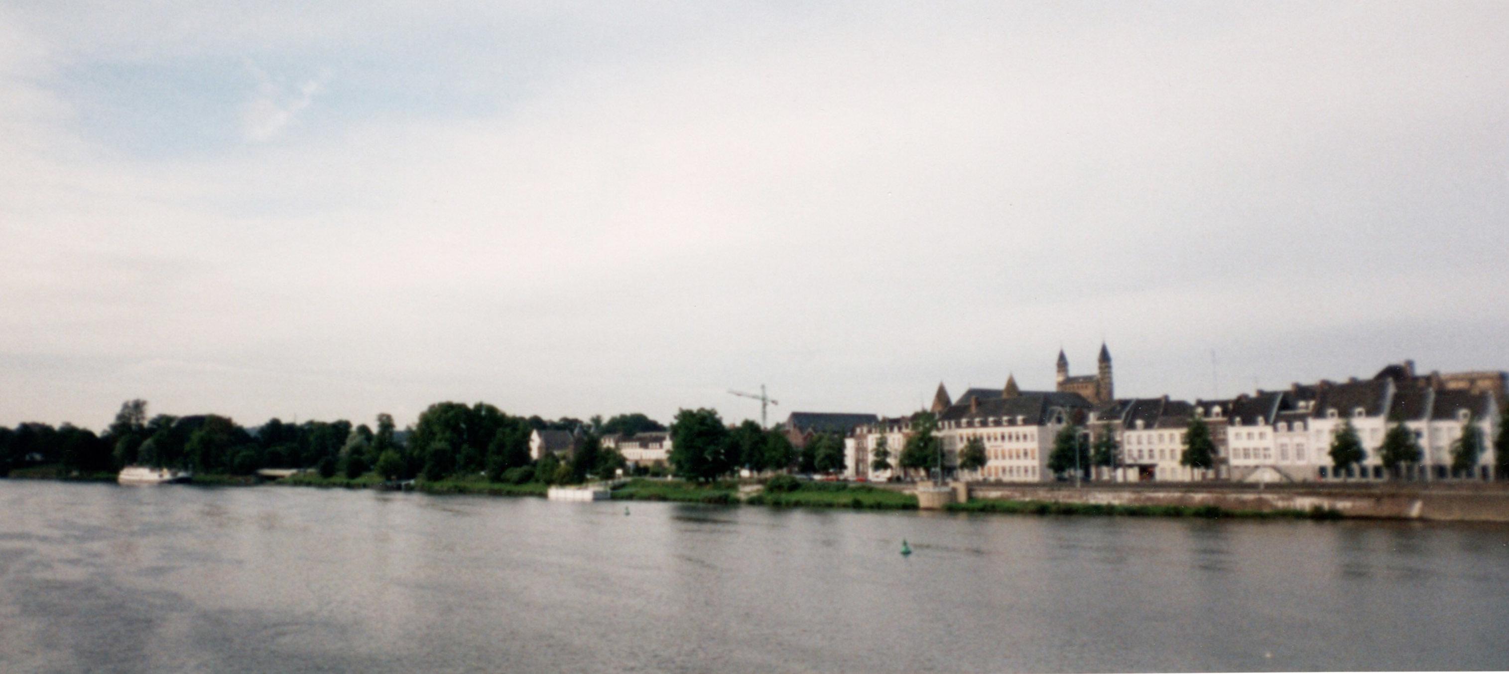 オランダ最古の町、マーストリヒト_d0193569_07564136.jpg
