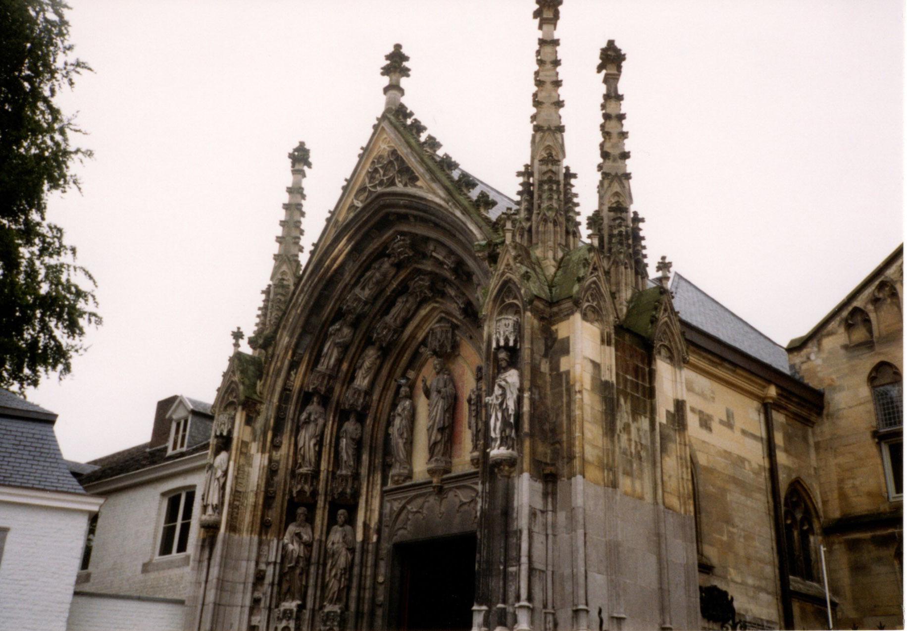 オランダ最古の町、マーストリヒト_d0193569_07572177.jpg