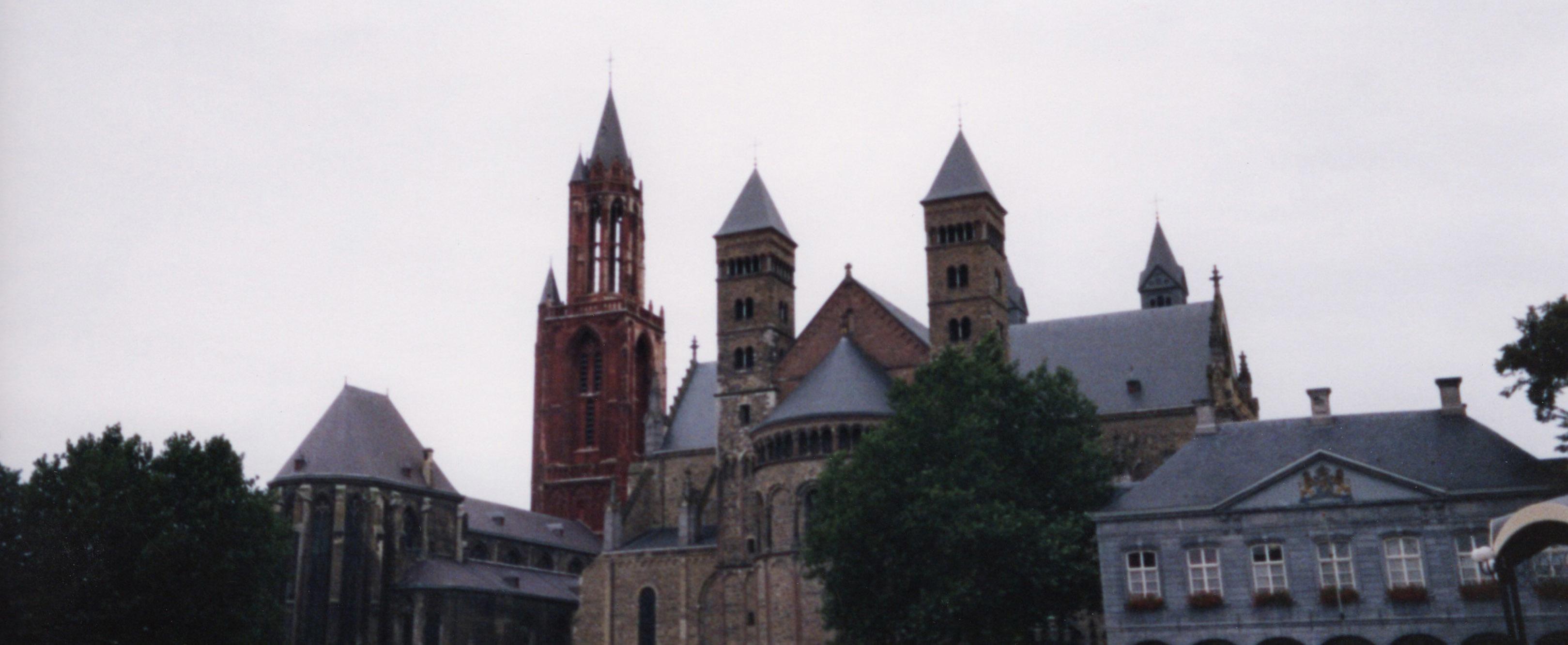 オランダ最古の町、マーストリヒト_d0193569_07572802.jpg