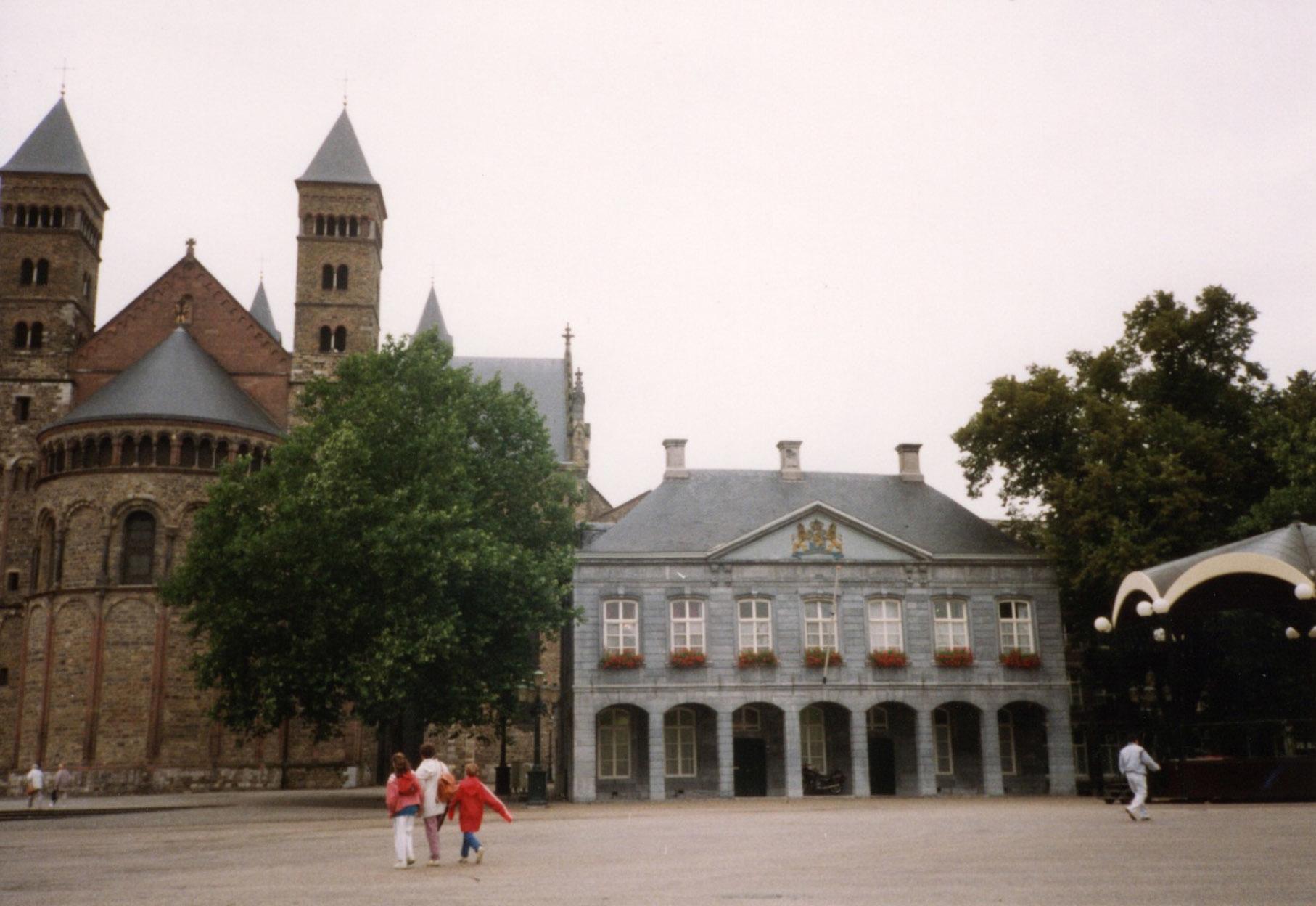 オランダ最古の町、マーストリヒト_d0193569_07572870.jpg