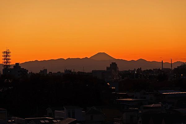 富士山と夕焼けと月と惑星 新宿西口意思表示_a0188487_20162888.jpg