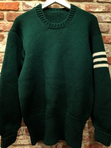 "1940s "" UNKNOWN \"" ALL WOOL Vintage - SQUARE NECK - LOW-GAUGE SWEATER ._d0172088_20083876.jpg"