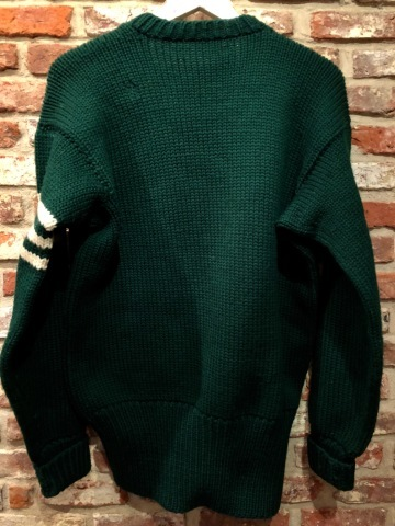 "1940s "" UNKNOWN \"" ALL WOOL Vintage - SQUARE NECK - LOW-GAUGE SWEATER ._d0172088_20104645.jpg"