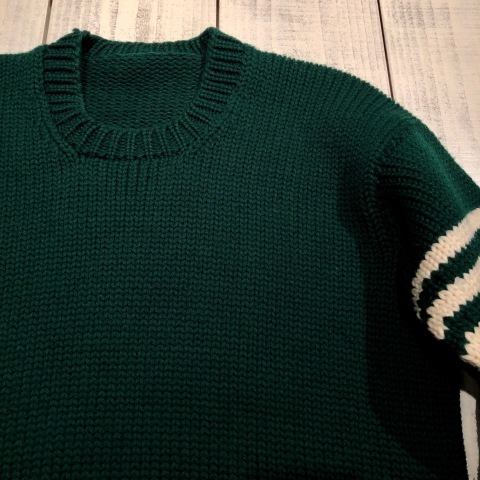 "1940s "" UNKNOWN \"" ALL WOOL Vintage - SQUARE NECK - LOW-GAUGE SWEATER ._d0172088_21562812.jpg"