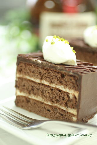 4月のお菓子・おとなのためのチョコレートケーキ_a0392423_09155631.jpg