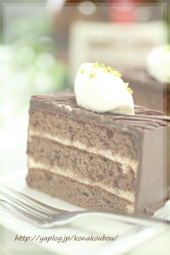 4月のお菓子・おとなのチョコレートケーキ_a0392423_09182331.jpg