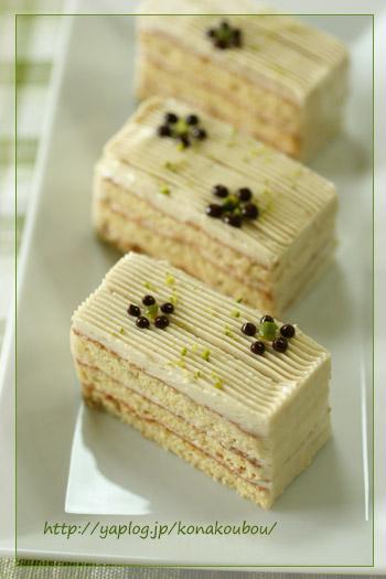 8月のお菓子・バナナとメイプルのケーキ_a0392423_10051052.jpg