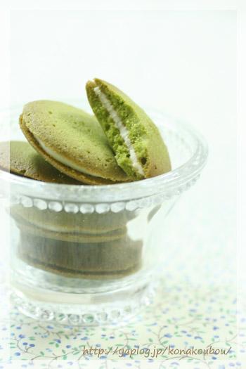 5月のお菓子・抹茶のラング ド シャ_a0392423_10070998.jpg