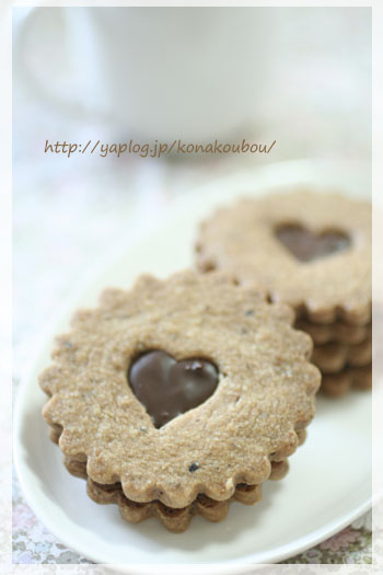 2月のお菓子・サンドクッキー_a0392423_23162200.jpg