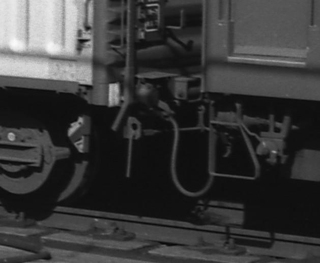 KATOのNゲージ東海道山陽荷物車後期セットとオユ14・スユ44の電気暖房の話_f0203926_18595478.jpg