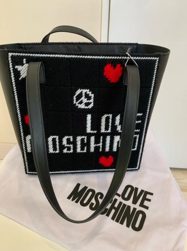 I love  MOSCHINO_c0223630_11510357.jpg