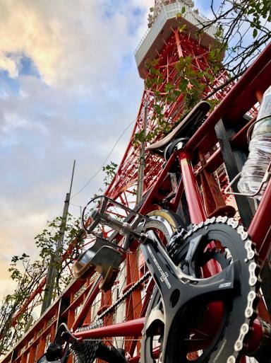 タワー、ガードレール、自転車、赤い塗装同士。ラブリー!_d0057843_12555296.jpg